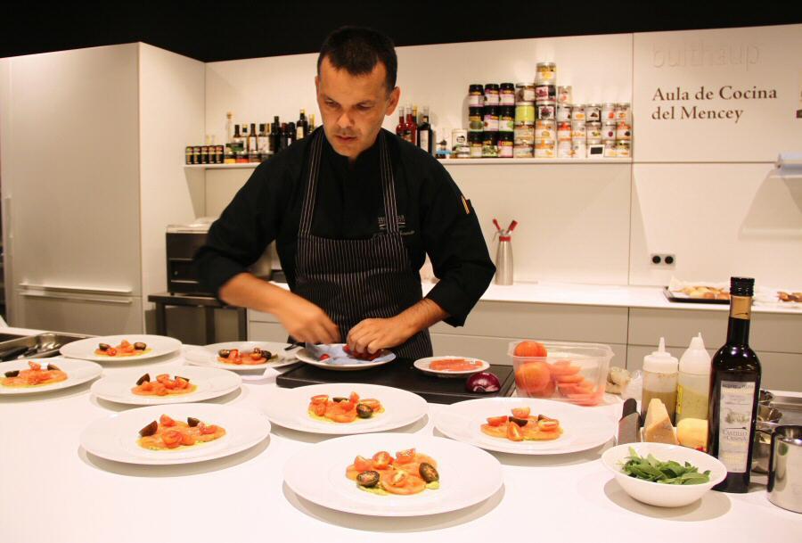 Chef Juan Carlos Clemente en el Aula de Cocina del Hotel Mencey de Tenerife