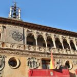 Fachada del ayuntamiento de la Catedral de Tarazona en Aragón
