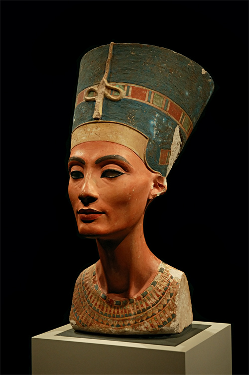 Busto de Nefertiti en Neues Museum Foto: Arkadiy Etumyan