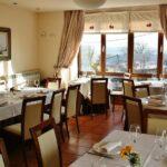 Restaurante del hotel rural Villa Mencía en Corullón, en el Bierzo leonés