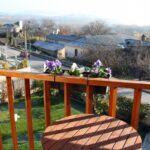 Balcón de habitación del hotel rural Villa Mencía en Corullón, en el Bierzo leonés