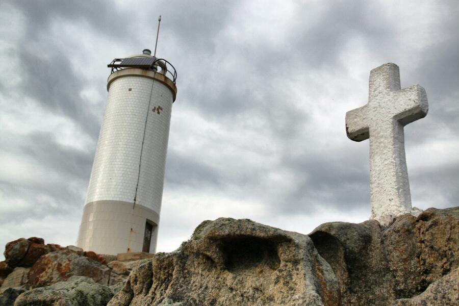 Faro Roncudo en la Costa da Morte de Galicia
