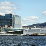 Opera de Oslo desde la excursión en barco por el fiordo
