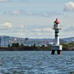 Faro en el fiordo de Oslo
