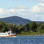 Barco navegando en el fiordo de Oslo
