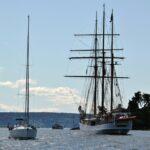 Barcos navegando en el fiordo de Oslo