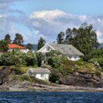 Casas en una isla en el fiordo de Oslo