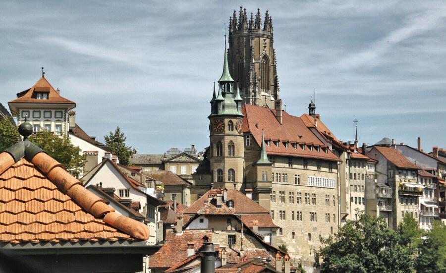 Vistas panorámicas de Friburgo en Suiza