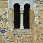 Ventana de la Iglesia de San Salvador de Valdediós en Asturias