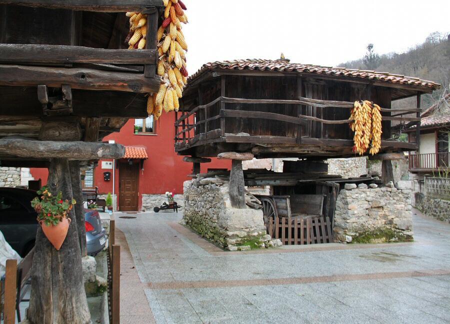 Horreos en Bueño en Asturias