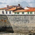 Muralla de la isla de Aix al oeste de Francia