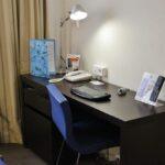 Mesa en la habitación de los hoteles Novotel