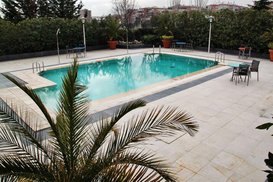 Hoteles novotel para viajar con ni os gu as viajar for Hoteles nh madrid con piscina