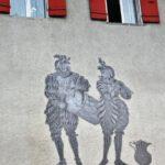 Fachada decorada de la Puerta de Berna en Murten en Suiza