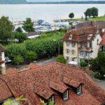 Vistas desde el mirador del lago de Murten en Suiza