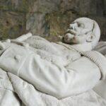 Sepulcros en el Mausoleo de los jardines del palacio de Charlottenburg en Berlín