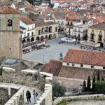Vistas de la plaza Mayor de Trujillo desde el castillo