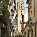 Iglesia de Santo Tomás desde La Herradura en Haro en La Rioja