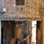 Pasaje hacia el barrio medieval del Cinto en Tarazona