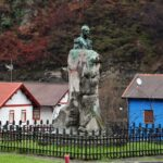 Monumento al Marqués de Comillas en Bustiello en Asturias