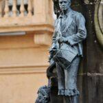 Escultura de la Manzanera en Villaviciosa en Asturias