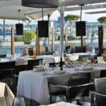 Terrazas de restaurantes en el puerto de Cambrils
