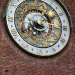 Reloj del Ayuntamiento de Oslo en Noruega