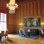 Salón del Ayuntamiento de Oslo en Noruega