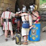 Gladiadores listos para el espectáculo en Tarraco Viva en Tarragona