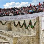 Participación del público en la lucha de gladiadores en Tarraco Viva