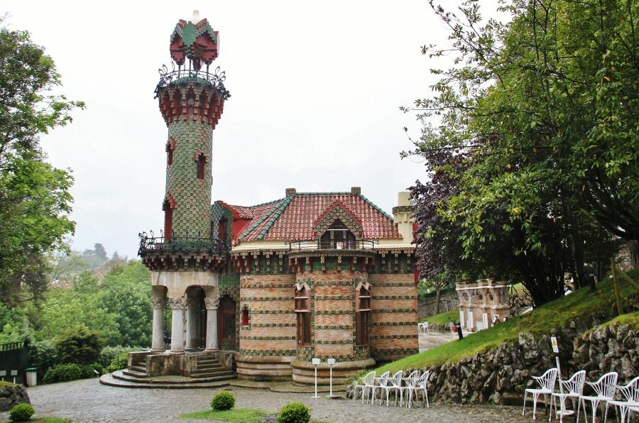 El Capricho de Gaudí en Comillas  Guías Viajar