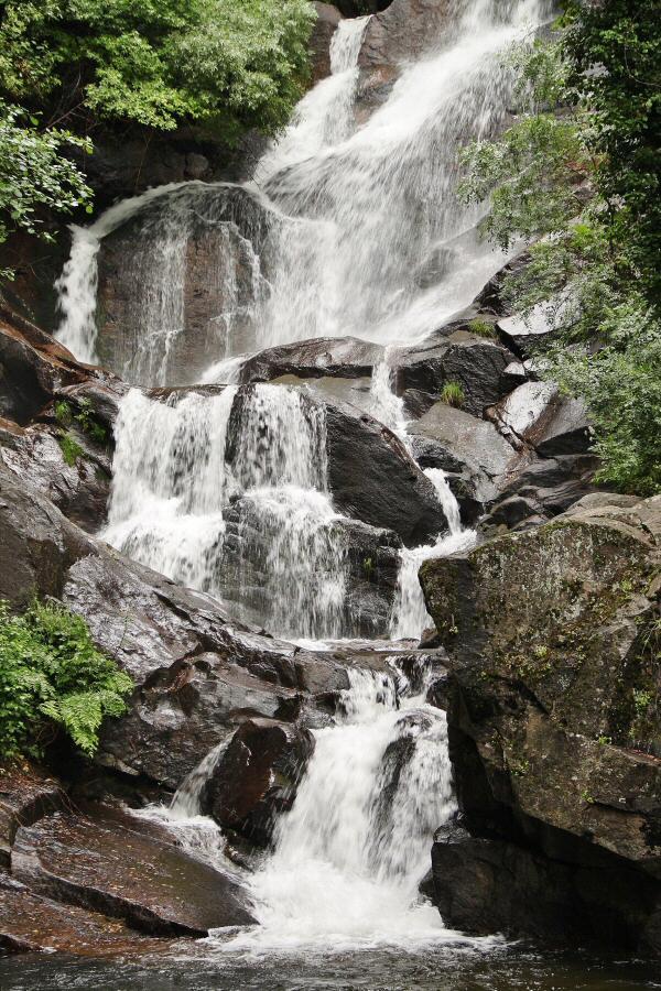 Senderismo valle del jerte garganta nogaledas gu as viajar for Cascadas modernas para jardin