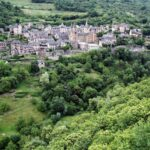 Vista panorámica de Conques en Aveyron al sur de Francia