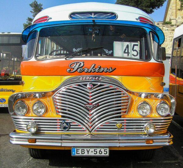 Antiguos autobuses de Malta