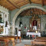 Interior de iglesia de Santa Catalina en Rebollar en el Valle del Jerte