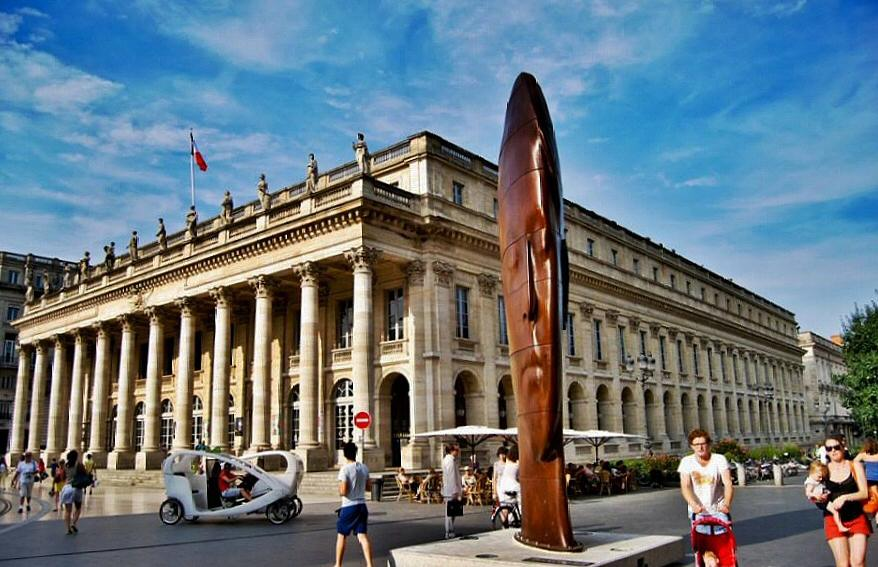 Escultura de Jaime Plensa en Burdeos Foto: Alfonso Javier Manday