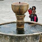 Fuente de Colón en la plaza de Santa María de Guadalupe