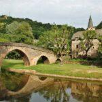 Puente de Belcastel en Aveyron al sur de Francia