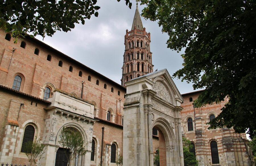 Basílica de San Sernin en Toulouse en Francia