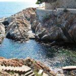 Cala en el Camino de ronda de S´Agaro en el Ampurdan en Costa Brava