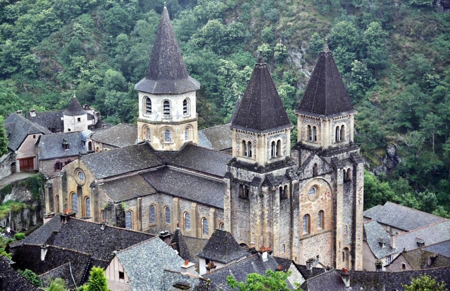 Abadía de Conques en Aveyron al sur de Francia
