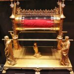 Relicario del Tesoro de la Abadía de Conques al sur de Francia