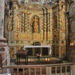 Capilla de la Abadía de Conques en Aveyron al sur de Francia