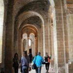 Galería lateral en la Abadía de Conques al sur de Francia