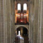 Nave central de la Abadía de Conques al sur de Francia