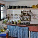 Cocina de la tradicional barraca valenciana en la Albufera