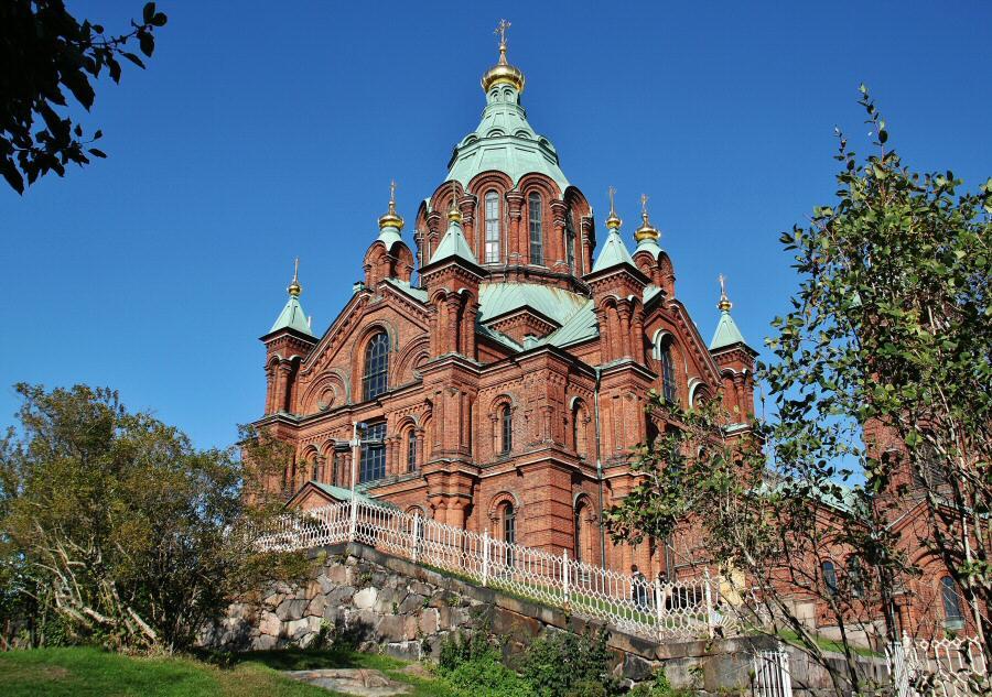 Helsinki – Catedral ortodoxa Uspenski, símbolo de la presencia rusa en Finlandia