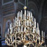 Gran Lámpara de la catedral ortodoxa Uspenski de Helsinki