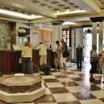 Recepción hotel Termas en Balneario de Archena en Murcia