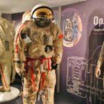 Trajes espaciales en la Ciudad del Espacio en Toulouse